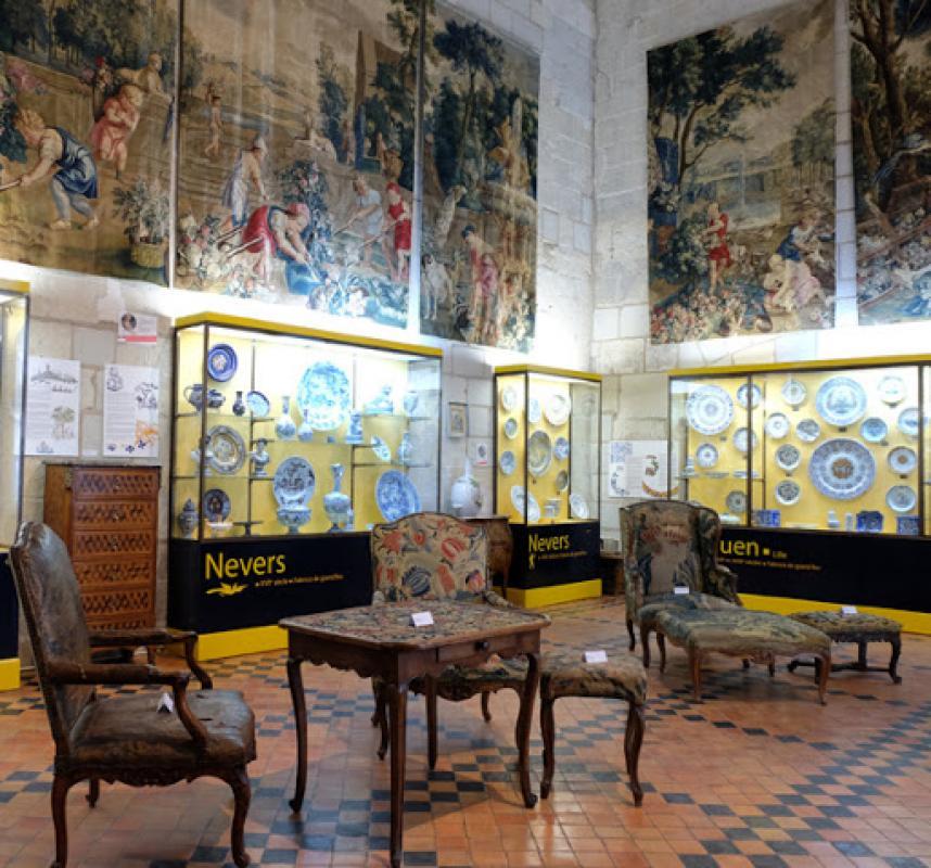 CHATEAU-MUSEE DE SAUMUR |  CHATEAUX EN FRANCE