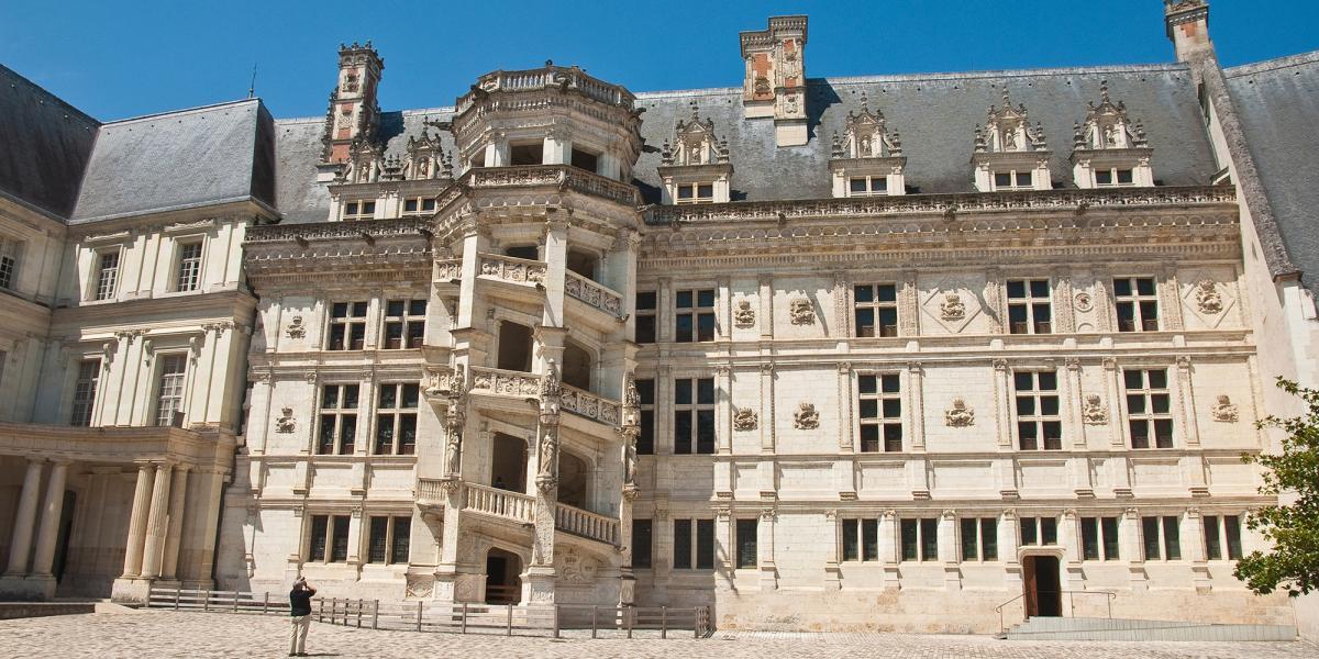 CHATEAU DE BLOIS    CHATEAUX EN FRANCE