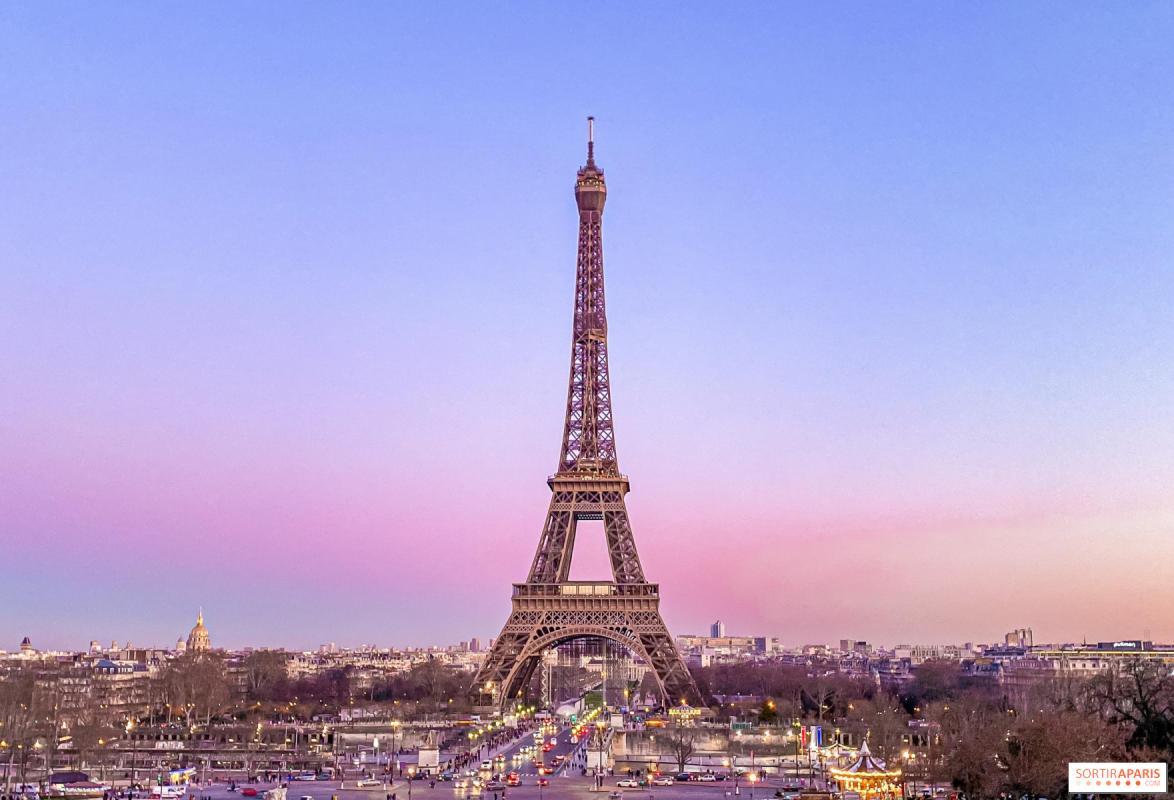 TOUR EIFFEL |  CHATEAUX EN FRANCE