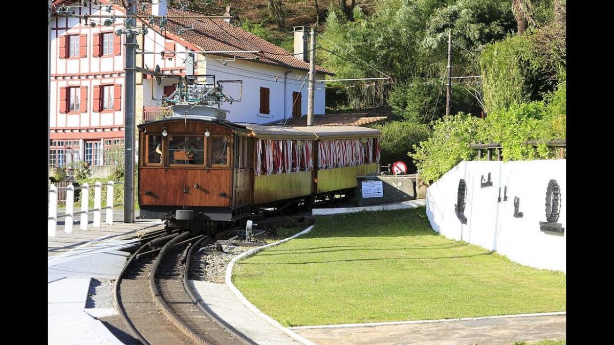 TRAIN DE LA RHUNE    CHATEAUX EN FRANCE