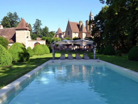 CHAMBRE D'HOTES CHATEAU DE PEUFEILHOUX |  CHATEAUX EN FRANCE