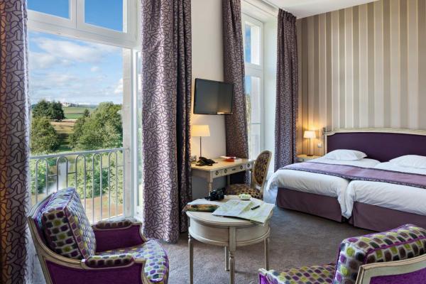 CHATEAU HOTEL SAINTE SABINE    CHATEAUX EN FRANCE