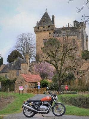 FRENCH RETRO RIDE |  CHATEAUX EN FRANCE