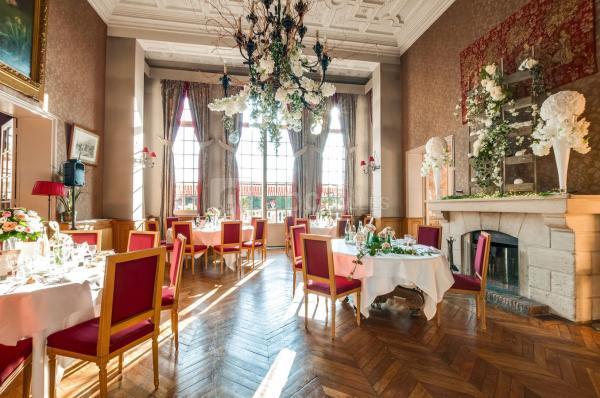 HOTEL DE LA TOUR    CHATEAUX EN FRANCE